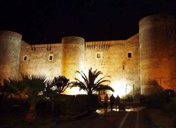 castello_ursino_night