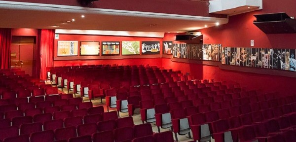 interno-teatro-verga