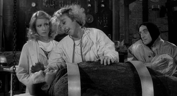 "Gene Wilder (C) in un fermo immagine del film ""Frankenstein Junior"". ANSA/WIKIPEDIA +++EDITORIAL USE ONLY - NO SALES+++"