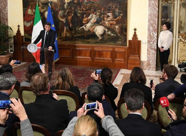 Italian Prime Minister Matteo Renzi during a press conference in Rome, 5 December 2016. Renzi has resigned after suffering a heavy defeat in a referendum over his plan to reform the constitution.