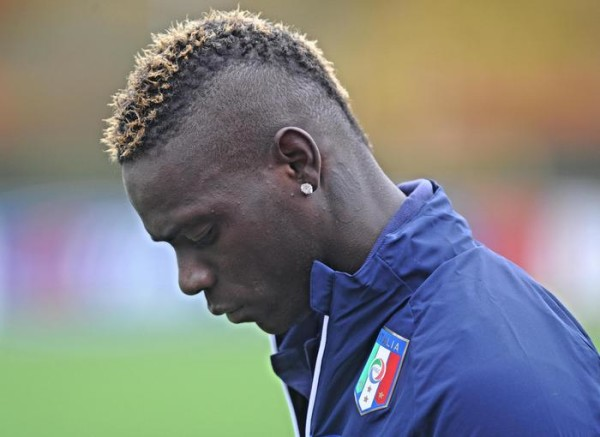 Italy's forward Mario Balotelli during a training session in Coverciano Sport Center, near Florence, Center Italy, 13 November 2014. ANSA/ MAURIZIO DEGL'INNOCENTI