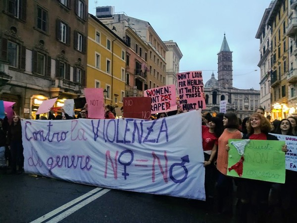 800px-WDG_-_March_for_Elimination_of_Violence_Against_Women_in_Rome_(2018)_64