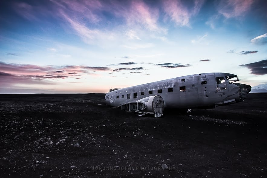 the-abandoned-dc-plane-on-solheimasandur-1