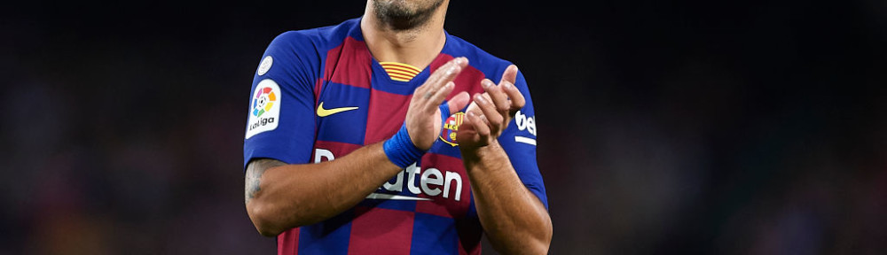 BARCELONA, SPAIN - OCTOBER 06: Luis Suarez of FC Barcelona looks on during the Liga match between FC Barcelona and Sevilla FC at Camp Nou on October 06, 2019 in Barcelona, Spain. (Photo by Aitor Alcalde/Getty Images)